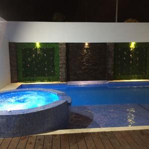 Construcción alberca Cancún